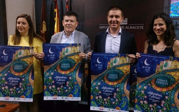 Las alfombras de Elche de la Sierra se estrenan en 2017 como Bien de Interés Cultural